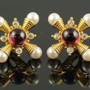 Pearl and Diamond Gold Earrings-0