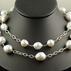 Necklaces & Pearls