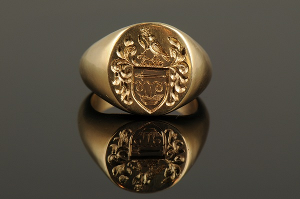 Men S Ring Design With Engraved Ring